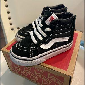 Toddler Old School Vans SK8-Hi Top! Size 5! Black